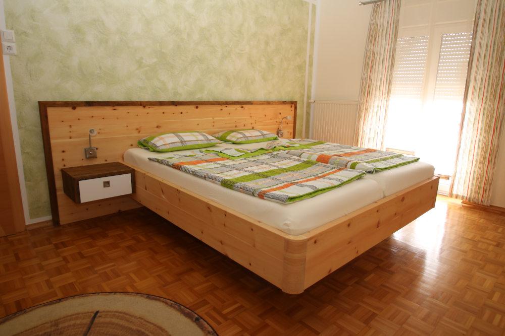 Schlafzimmer ALPE 02